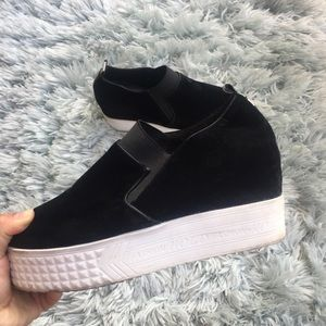 Shoes - Black slip sneakers size 10